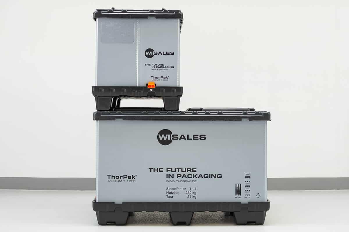 Faltbarer Container, Universal Mehrweg-Behälter, die Mega-Box. Twin Sheet Palette mit Locator mit Locator zur Verriegelung des Behälterrings. Behälterring aus Aircell® 10mm/3000g. Twin Sheet Deckel mit Rastnasen zur Arretierung.